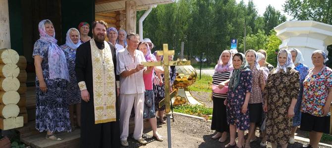 Встреча центральной маковки с Крестом
